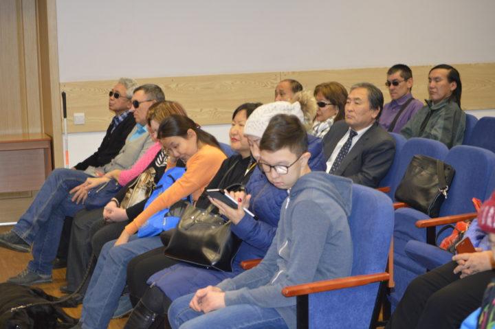 Курсы по невизуальному использованию мобильной техники открылись в Улан-Удэ.