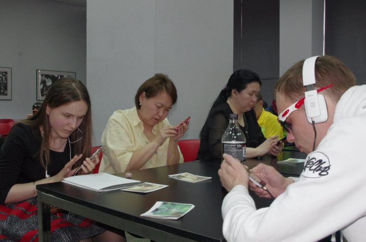 Незрячие пользователи продемонстрировали скрытые возможности сенсорных смартфонов.