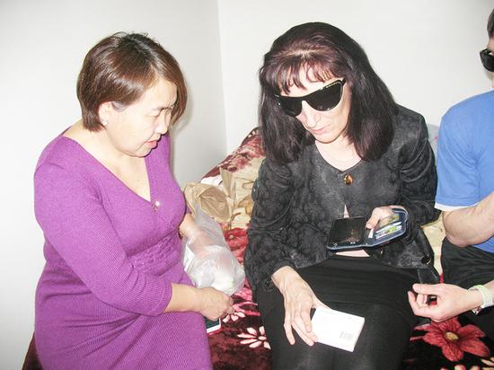 СМИ Бурятии рассказали о пользе смартфонов для незрячих людей.